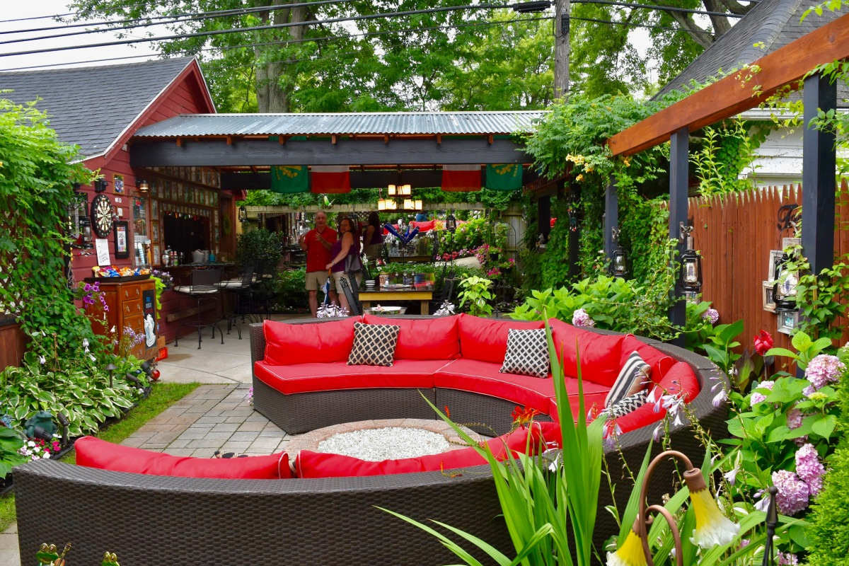 A garden that is a pub, or a pub that is a garden