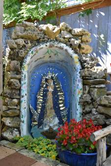 """Our Lady of La Tina. """"Tina"""" means bathtub in Spanish."""
