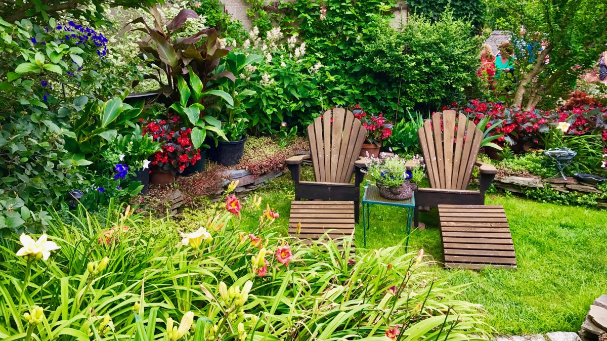 Where do you stand on garden seating?