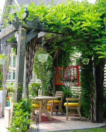 Romantic seating under an arbor, with a window! (Lockport, NY)