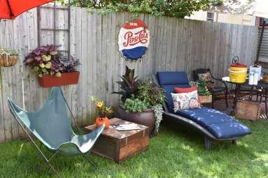 Temporay seasonal furniture. Casual comfortable and easily moved (Buffalo)..