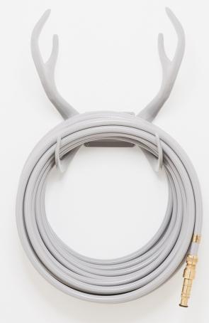 Grey-wallmount-reindeer-expo