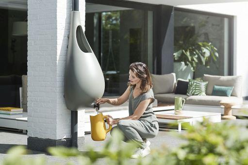 Modern-rain-barrel-design-for-the-contemporary-home
